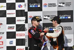 Podio: tercer lugar Patrick Long, Wright Motorsports, segundo lugar Alvaro Parente, K-Pax Racing