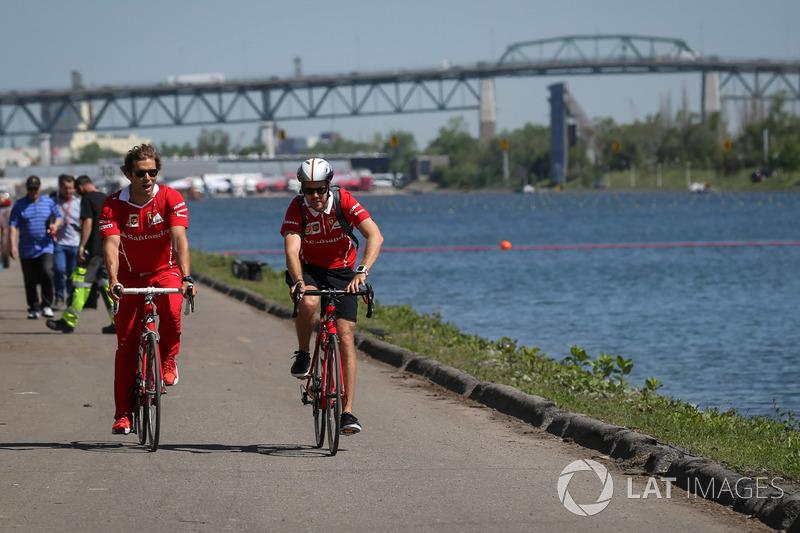 Себастьян Феттель, Ferrari, тренер Антті Контсас на велосипеді