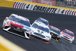 Kyle Busch, Joe Gibbs Racing Toyota Kevin Harvick, Stewart-Haas Racing Ford