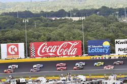 Martin Truex Jr., Furniture Row Racing Toyota, Jimmie Johnson, Hendrick Motorsports Chevrolet