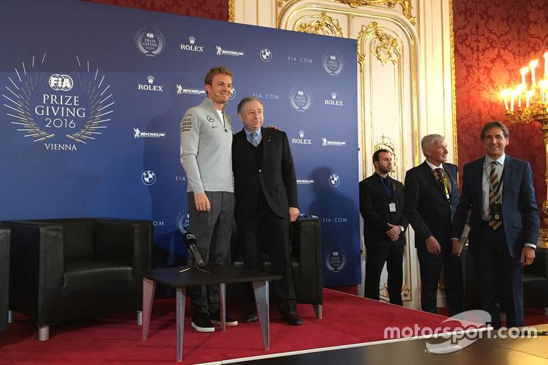 Nico Rosberg de Mercedes AMG F1, Jean Todt, Presidente de la FIA