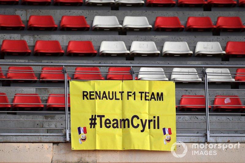 Банер для Сіріля Абітбуля, керуючого директора Renault Sport F1