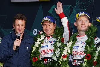 Le vainqueur Kamui Kobayashi, Toyota Gazoo Racing