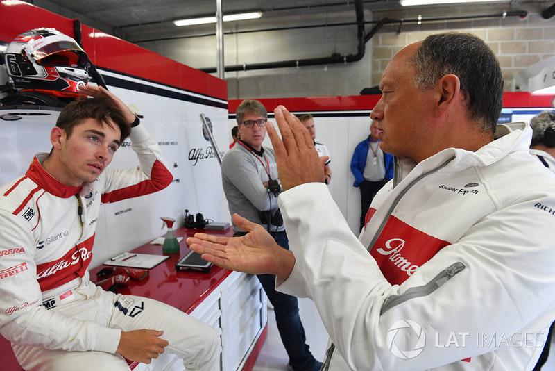 Charles Leclerc, Sauber and Frederic Vasseur, Sauber, Team Principal