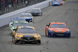 Erik Jones, Joe Gibbs Racing, Toyota Camry DeWalt, Brad Keselowski, Team Penske, Ford Fusion Autotrader