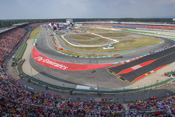Max Verstappen, Red Bull Racing RB14, Kevin Magnussen, Haas F1 Team VF-18, y Nico Hulkenberg, Renault Sport F1 Team R.S. 18