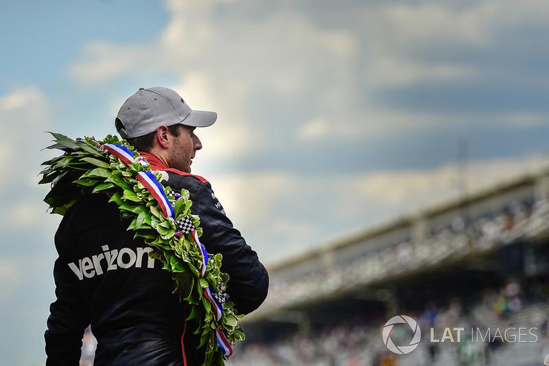 Will Power, Team Penske Chevrolet con la corona d'alloro Borg-Warner
