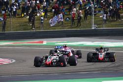 Romain Grosjean, Haas F1 Team VF-18 Ferrari, Kevin Magnussen, Haas F1 Team VF-18 Ferrari, y Esteban Ocon, Force India VJM11 Mercedes