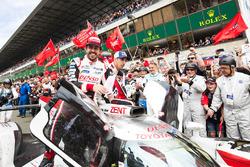 #8 Toyota Gazoo Racing Toyota TS050: Себастьян Буемі, Кадзукі Накадзіма, Фернандо Алонсо