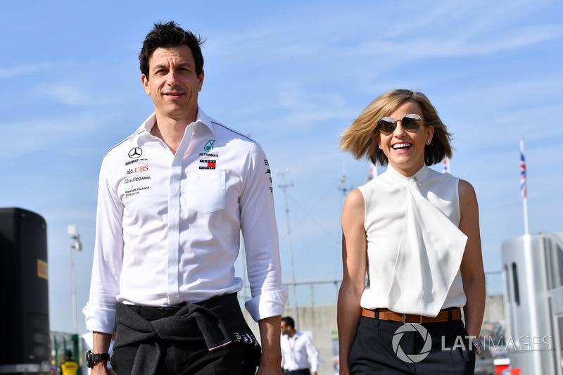 Toto Wolff, directeur de Mercedes AMG F1 avec Susie Wolff
