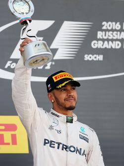 Подиум: второе место - Льюис Хэмилтон, Mercedes AMG F1 Team
