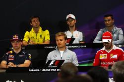 De FIA persconferentie: Jolyon Palmer, Renault Sport F1 Team, Romain Grosjean, Haas F1 Team, Pascal