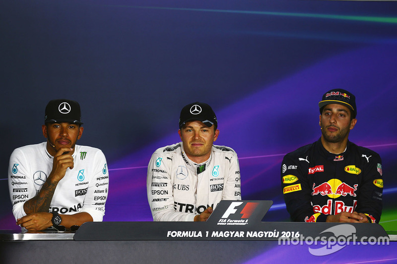 Press conference: polesitter Nico Rosberg, Mercedes AMG F1, second place Lewis Hamilton, Mercedes AM
