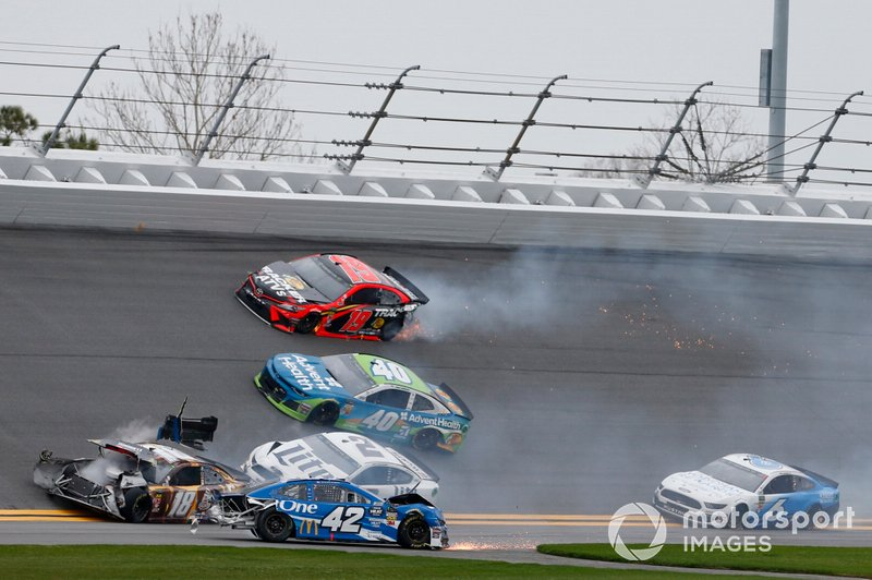 Big One: Massencrash beim Clash in Daytona
