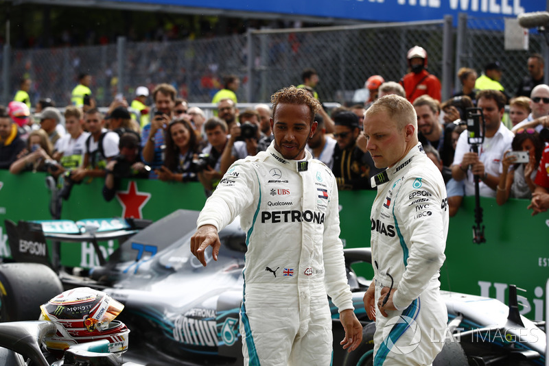 Lewis Hamilton, Mercedes AMG F1 y Valtteri Bottas, Mercedes AMG F1 W09 en parc ferme