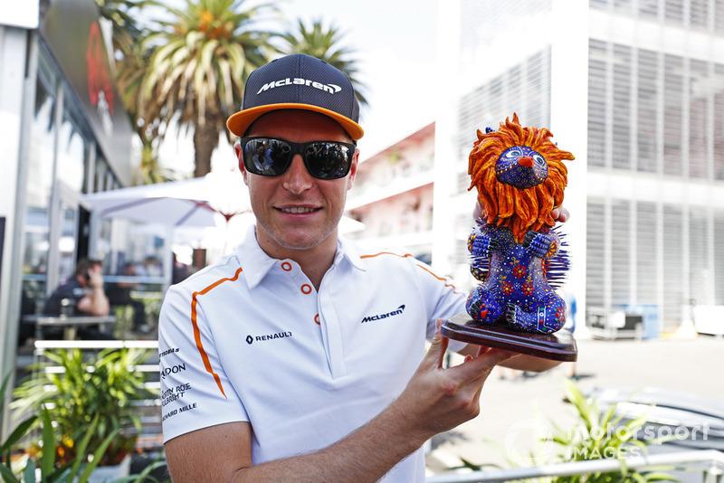 Гран Прі Мексики: статуетка Стоффеля Вандорна, McLaren