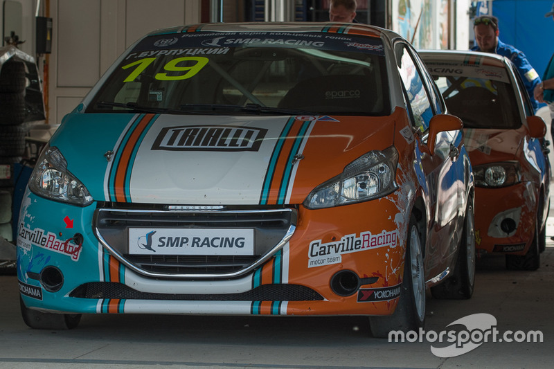 Peugeot 208 команды Carville Racing