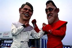 Куклы, изображающие Мику Хаккинена и Михаэля Шумахера