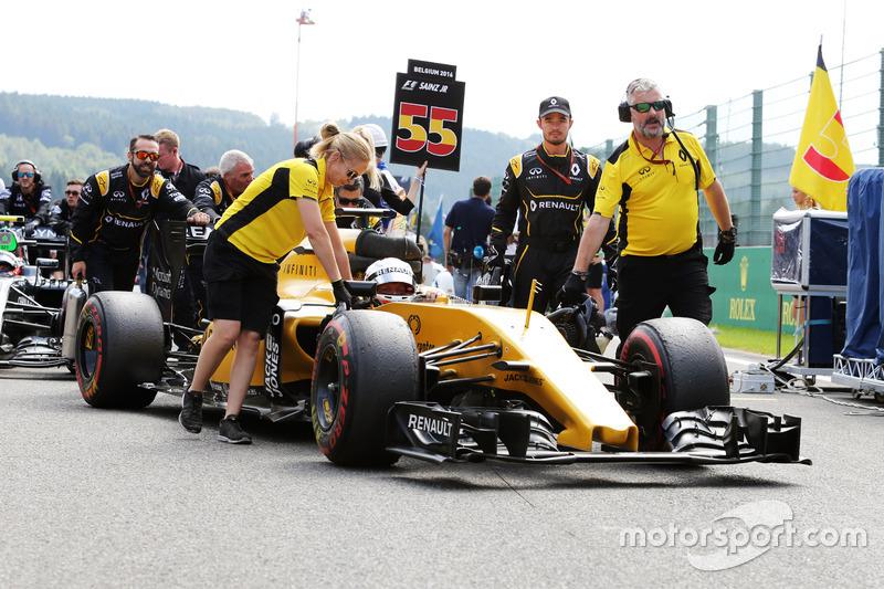 Kevin Magnussen, Renault Sport F1 Team RS16 in griglia