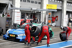 Boxenstopp: Loic Duval, Audi Sport Team Phoenix, Audi RS 5 DTM