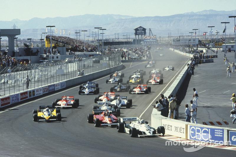 Départ : Alan Jones, Williams FW07C-Ford Cosworth mène