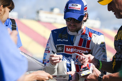Ryan Blaney, Wood Brothers Racing Ford, mit Fans