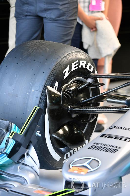 Mercedes-Benz F1 W08 detalle de la suspensión delantera