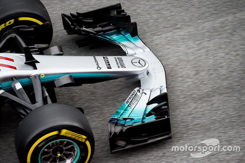 Valtteri Bottas, Mercedes AMG F1 W08 front wing detail