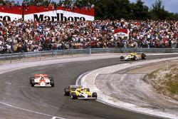 Alain Prost, Renault RE30; John Watson, McLaren MP4/1 Ford; René Arnoux, Renault RE30