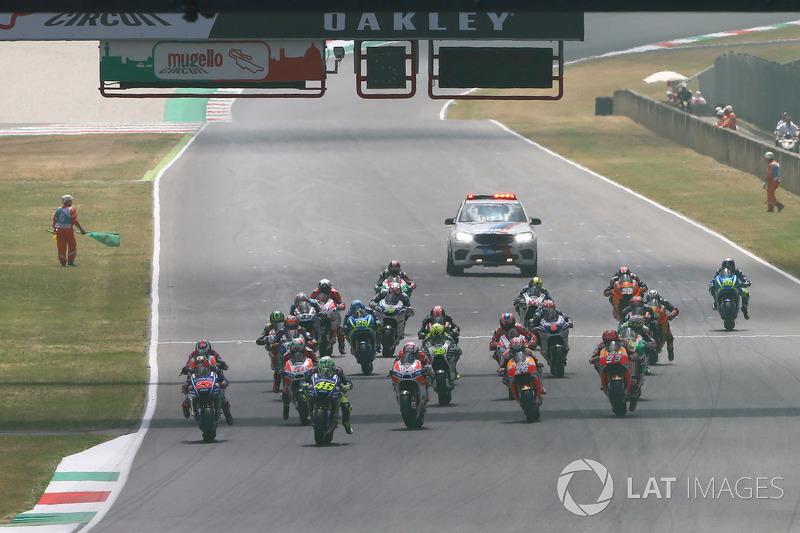 Валентино Россі, Yamaha Factory Racing, лідер пелотону