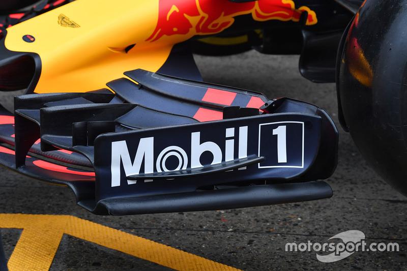红牛RB13赛车前翼细节图