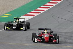 Callum Ilott, Prema Powerteam, Dallara F317 - Mercedes-Benz, Lando Norris, Carlin Dallara F317 - Volkswagen