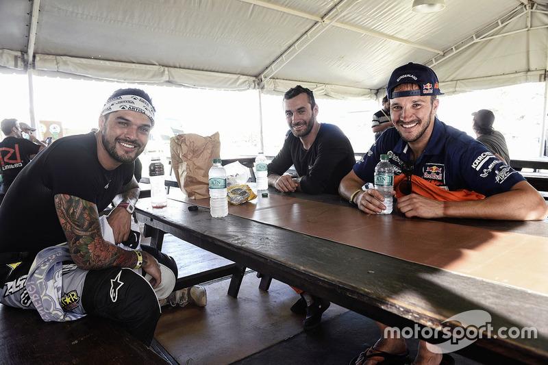 Pablo Quintanilla, Husqvarna Factory Racing; Sam Sunderland, Red Bull KTM Factory Racing; Joaquim Rodrigues, Hero MotoSports