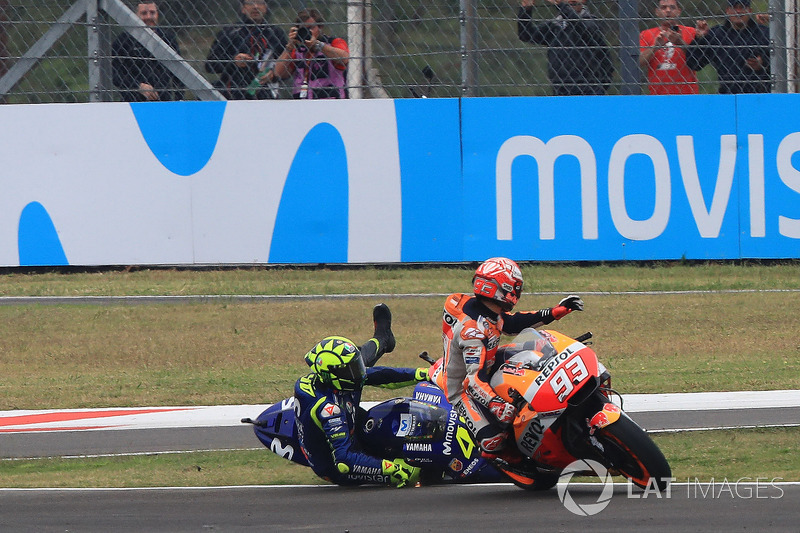 Marc Marquez, Repsol Honda Team, Valentino Rossi, Yamaha Factory Racing crashes