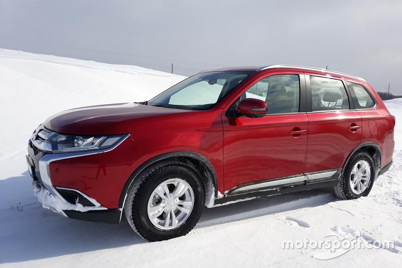 Тести Mitsubishi Outlander