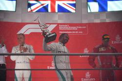 Valtteri Bottas, Mercedes-AMG F1, Lewis Hamilton, Mercedes-AMG F1 et Kimi Raikkonen, Ferrari sur le podium