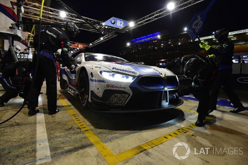 #82 BMW Team MTEK BMW M8 GTE: Antonio Felix da Costa, Alexander Sims, Augusto Farfus, pit stop