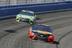 Martin Truex Jr., Furniture Row Racing, Toyota Camry Bass Pro Shops/5-hour ENERGY e Kyle Busch, Joe Gibbs Racing, Toyota Camry Interstate Batteries