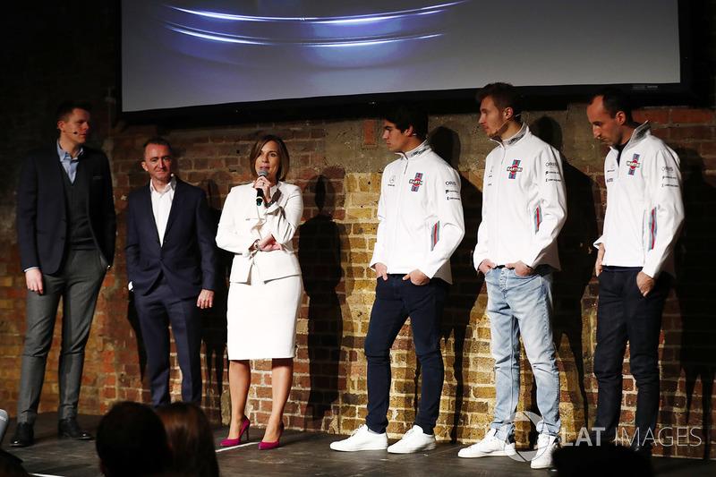 Jake Humphrey, Paddy Lowe, Claire Williams, Lance Stroll, Sergey Sirotkin et Robert Kubica sur la scène au lancement de la FW41