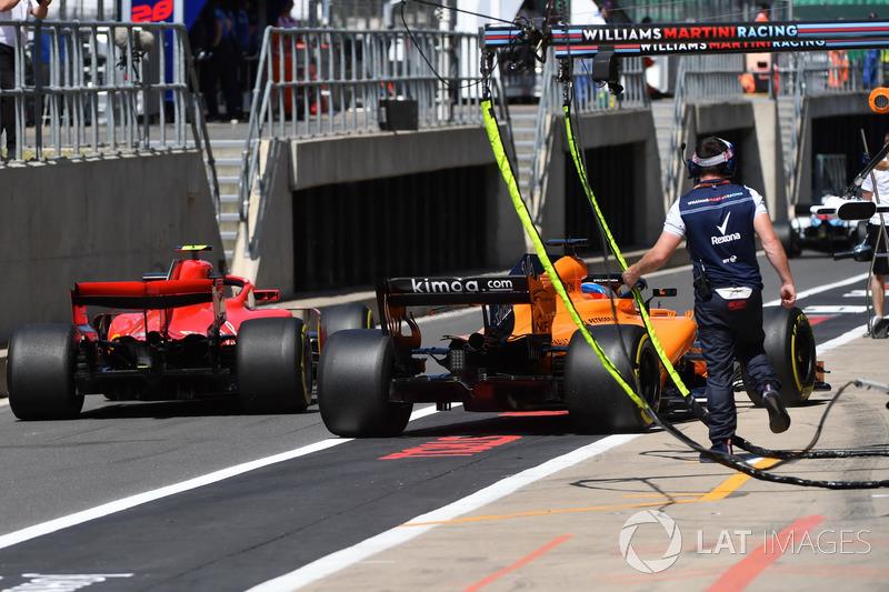 Фернандо Алонсо, McLaren MCL33, Кімі Райкконен, Ferrari SF71H
