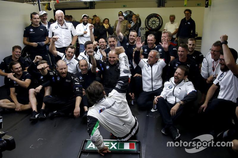 Alex Zanardi, BMW Team RMR con el equipo