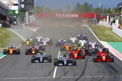 Start: Lewis Hamilton, Mercedes AMG F1 vooraan