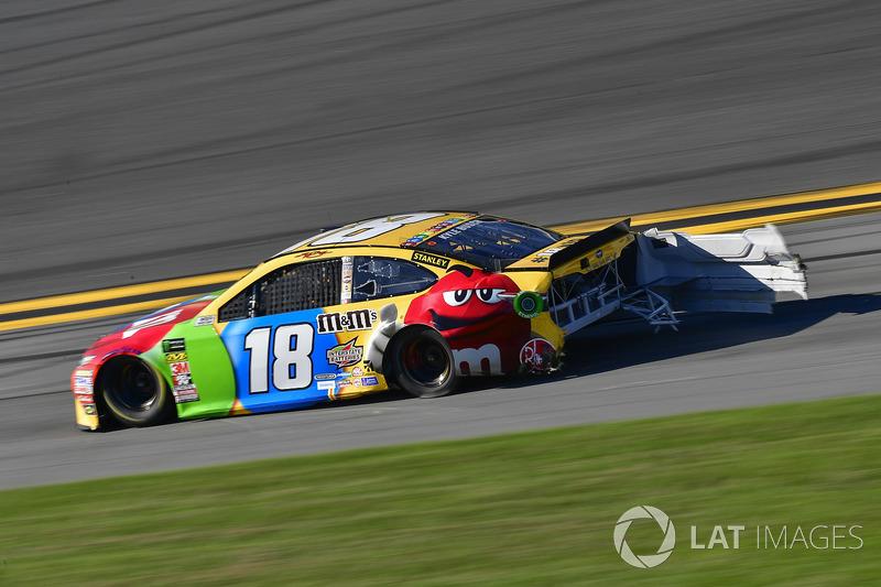 Kyle Busch, Joe Gibbs Racing Toyota shows damage