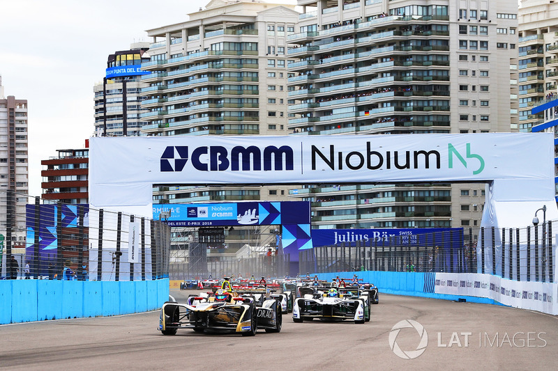 Jean-Eric Vergne, Techeetah, Lucas di Grassi, Audi Sport ABT Schaeffler, at the start of the race