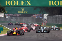 Max Verstappen, Red Bull Racing RB13, Lewis Hamilton, Mercedes-Benz F1 W08 y Sebastian Vettel, Ferrari SF70H
