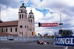 Ayrton Senna, Mclaren MP4/5B Honda leads Jean Alesi, Tyrrell 018 Ford