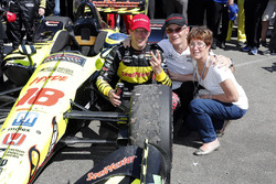 Sébastien Bourdais, Dale Coyne Racing with Vasser-Sullivan Honda poses with his mother and father, P