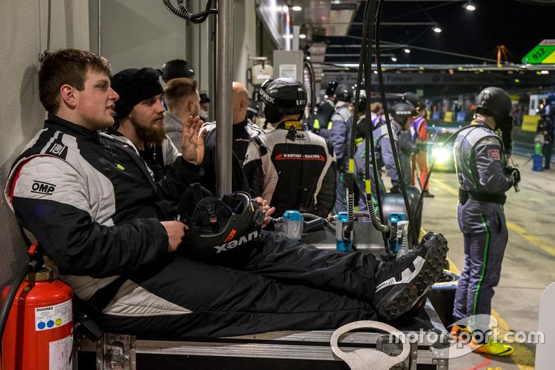 Resting pit crew
