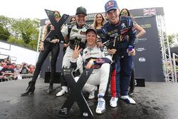 Podium: pemenang Mattias Ekstrテカm, EKS RX Audi S1, peringkat kedua Petter Solberg, PSRX Citroテォn DS3