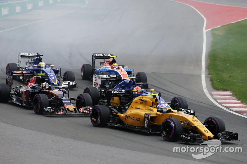 Джоліон Палмер, Renault Sport F1 Team RS16 на старті гонки